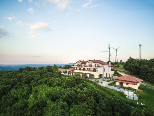 Zaara Estate, Galabovo
