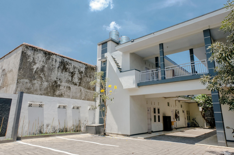 OYO 1475 Oemah Jawa Family Residence, Jember