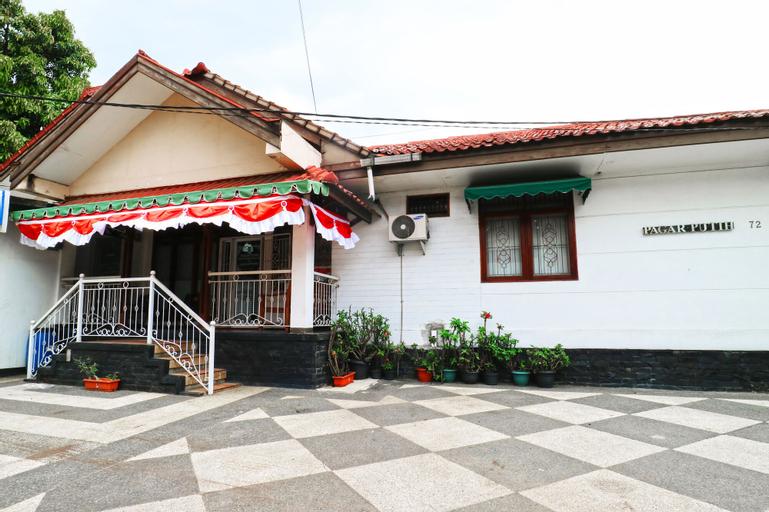 Pagar Putih Guest House Syariah, Bandung
