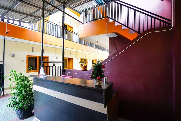 OYO 1720 A2b Residence, Manado