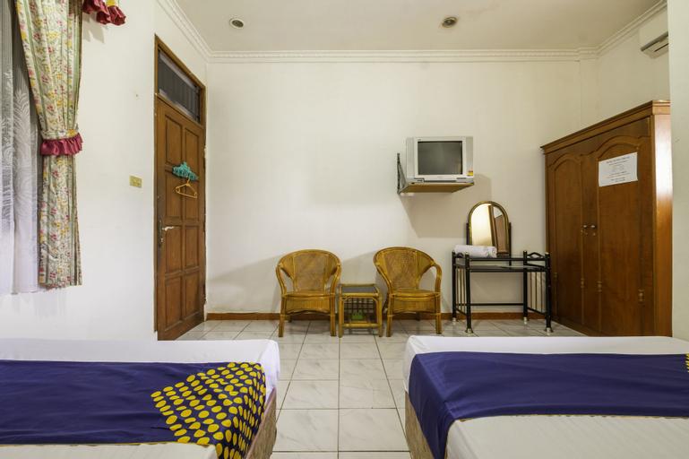 SPOT ON 1896 Hotel Mahkota Pantai, Sukabumi