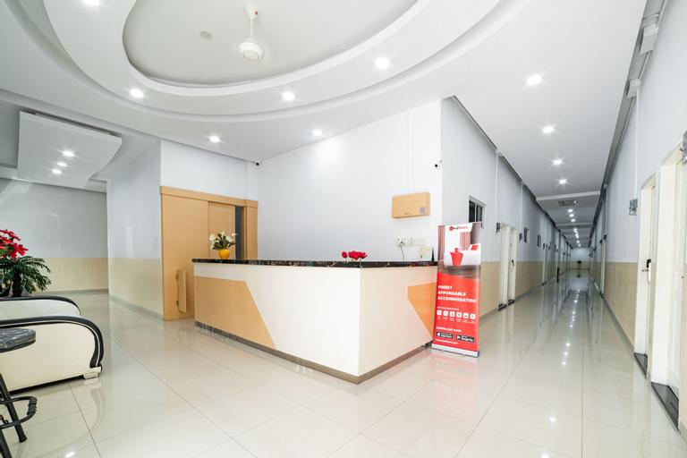 RedDoorz Plus near Thamrin Plaza Medan, Medan