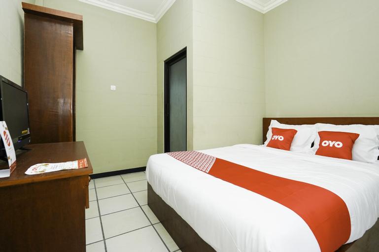 OYO 2493 Lotus Hotel Syariah, Bojonegoro