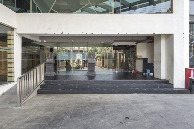 RedDoorz Apartment near Grand City Mall, Surabaya