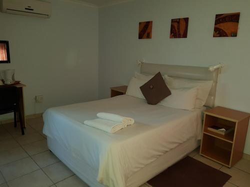 Rocha's Hotel, Oshakati East