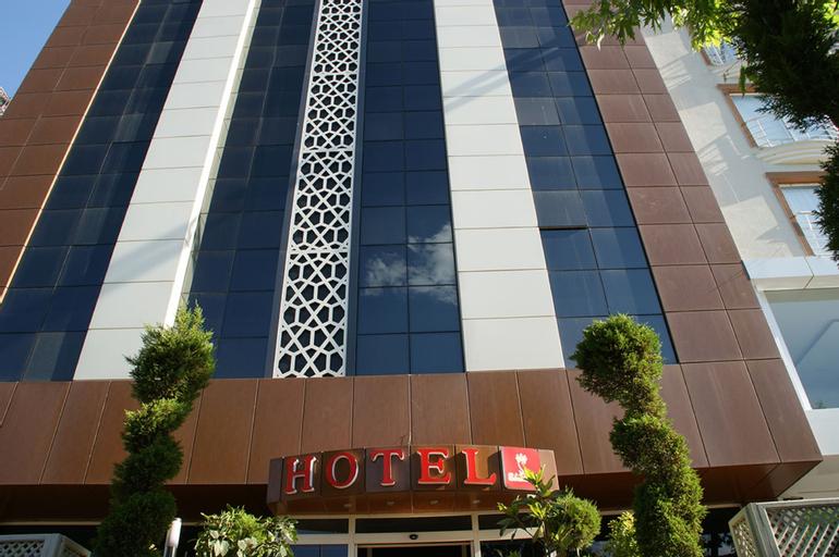 Samos Hotel, Merkez