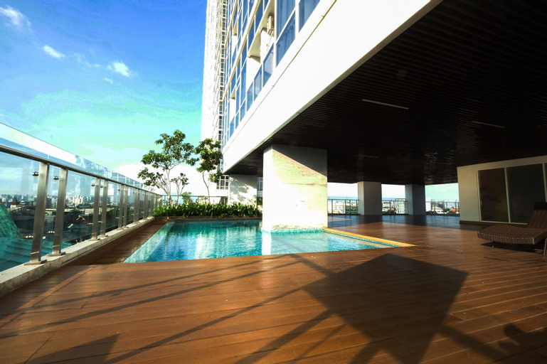 Comfy Studio Room with City View at Menteng Park Apartment By Travelio, Central Jakarta