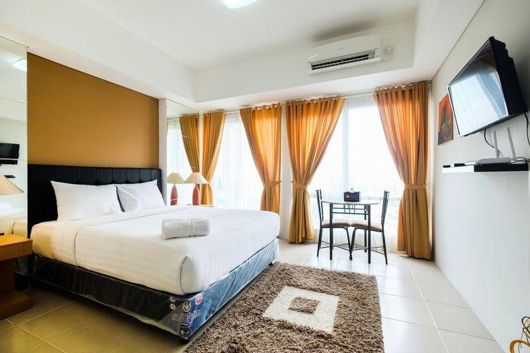 Modern and Chic Studio Altiz Bintaro Residence By Travelio, Tangerang Selatan