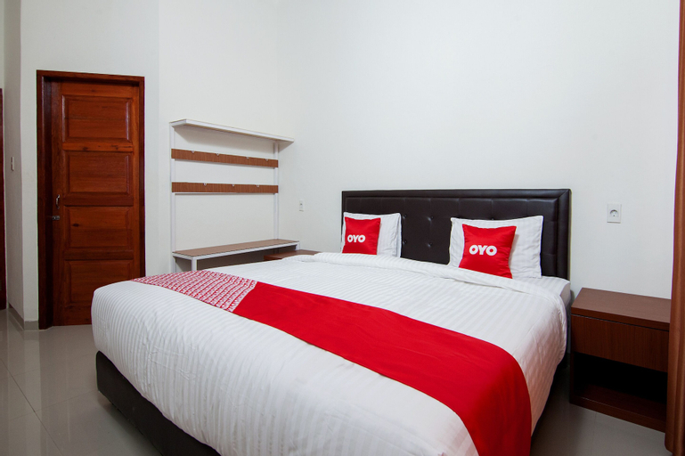 OYO 1819 Aries Hotel, North Tapanuli