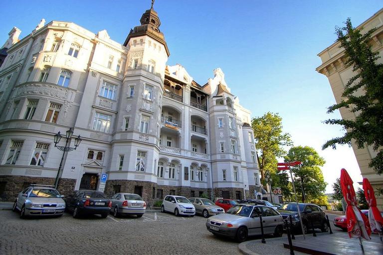 Bishop Apartments, Brno