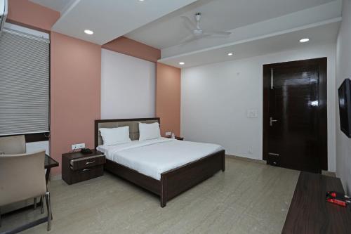 SPOT ON 74528 Hotel The Dwarka Prime, West