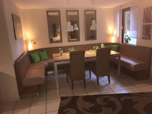 Hotel Garni Zum Grunen Baum, Paderborn