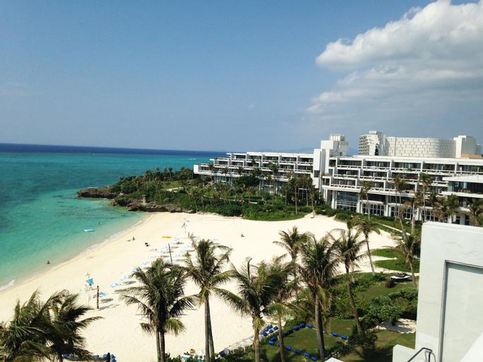 Moon Beach Palace Hotel, Onna