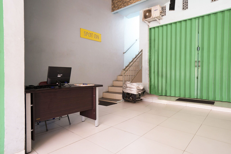 SPOT ON 2738 818 Home Stay, Palembang