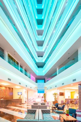 Wyndham Manta Sail Plaza Hotel & Convention Center, Manta