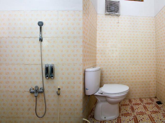 OYO 2421 Joglo Guest House Syariah, Tegal