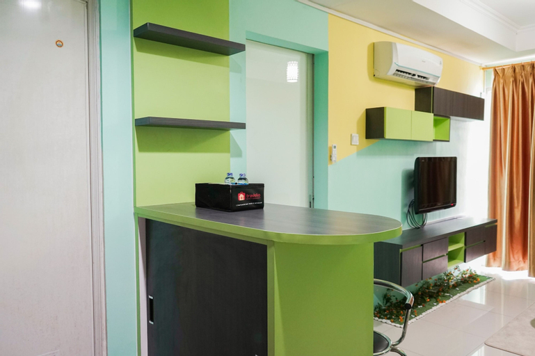 Elegant and Comfy 1BR Green Central City Apartment By Travelio, West Jakarta