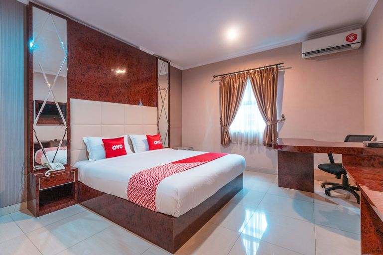 OYO Flagship 2131 Hotel Binong Near Rumah Sakit Aminah, Tangerang