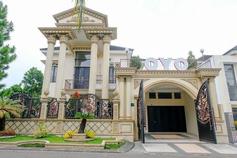 OYO 2724 Perdana Suites Residence Syariah, Malang