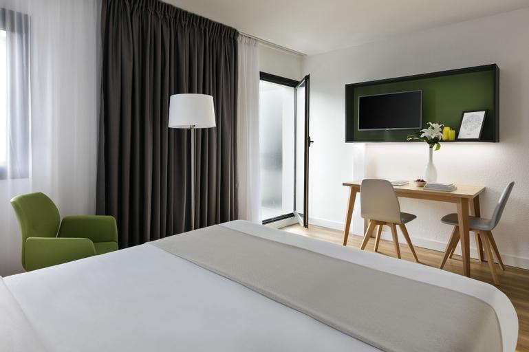 153 Suite Mylene Superb 1 BDR APT, Paris, Paris