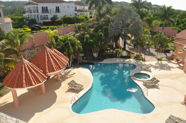 Sun Rise Luxurious Condos By The Vacation Casa,