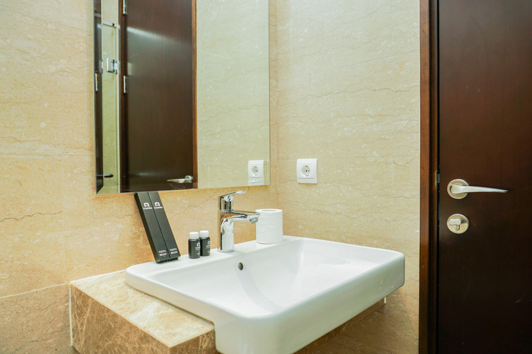 Fully Furnished Studio Menteng Park Apartment By Travelio, Central Jakarta