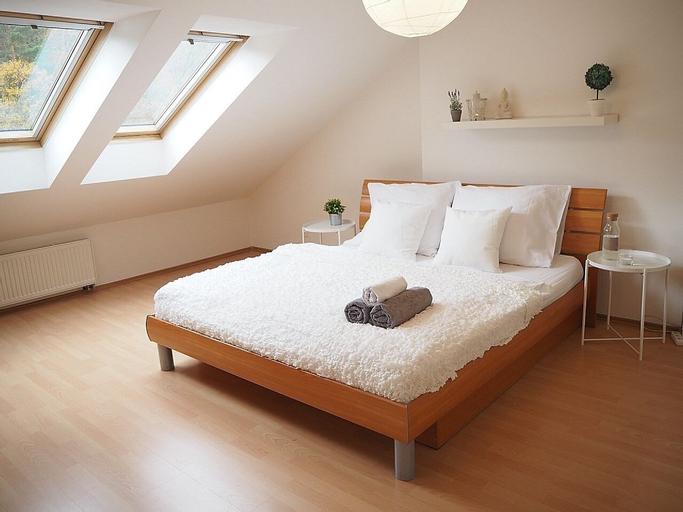 QIK Apartments, Praha 5