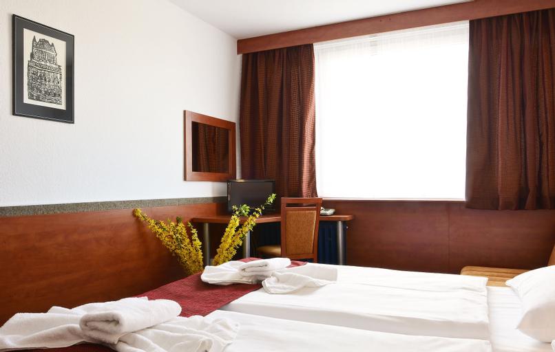 Hotel Tristar, Praha 7