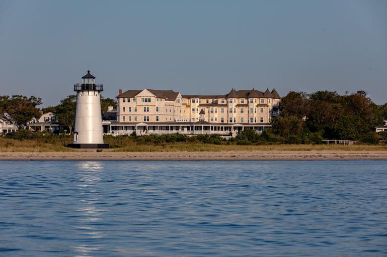 Harbor View Hotel, Dukes