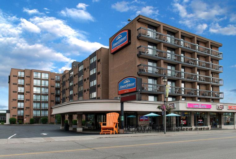 Howard Johnson Hotel by Wyndham by the Falls Niagara Falls, Niagara
