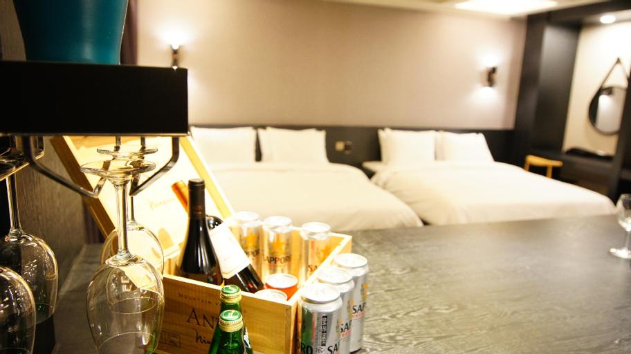 Hotel M, Mapo