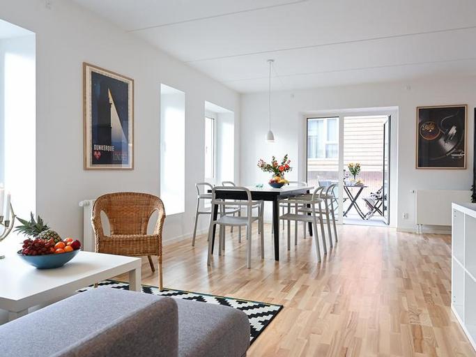 Modern Three-bedroom Apartment next to Royal Arena and Copenhagen Airport, Copenhagen