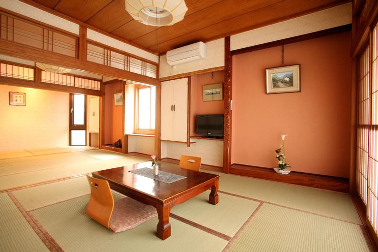 Tsukasaya Ryokan, Tsuruoka
