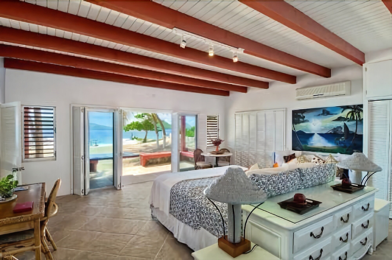Fort Recovery Beachfront Villa & Suites Hotel,