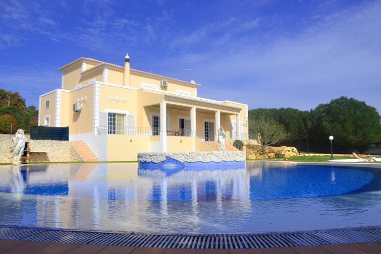 Villa Carvoeiro by GalanteVasques, Lagoa