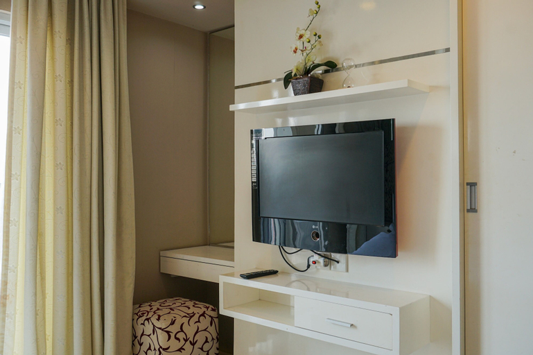 1BR Apartment at Cosmo Mansion near Grand Indonesia By Travelio, Central Jakarta
