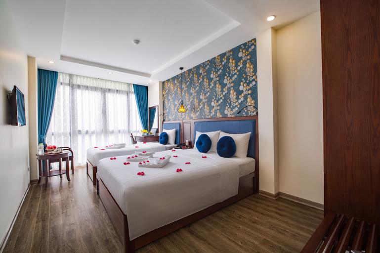 Holiday Emerald Hotel, Hoàn Kiếm