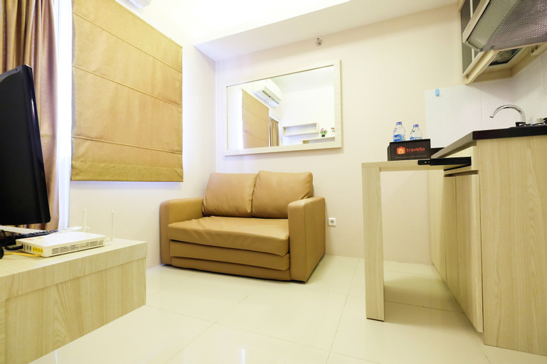 Easy Access to Mall Green Pramuka Apartment, Central Jakarta