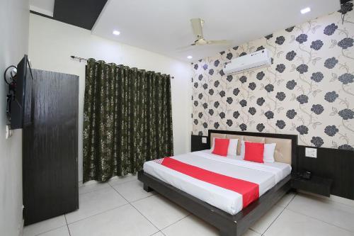 OYO 30415 Hotel White City, Rupnagar