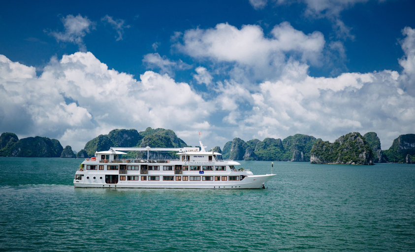 Halong Athena Cruise, Hạ Long