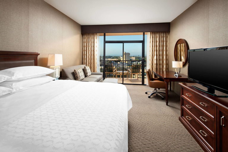 Sheraton Park Hotel at the Anaheim Resort, Orange