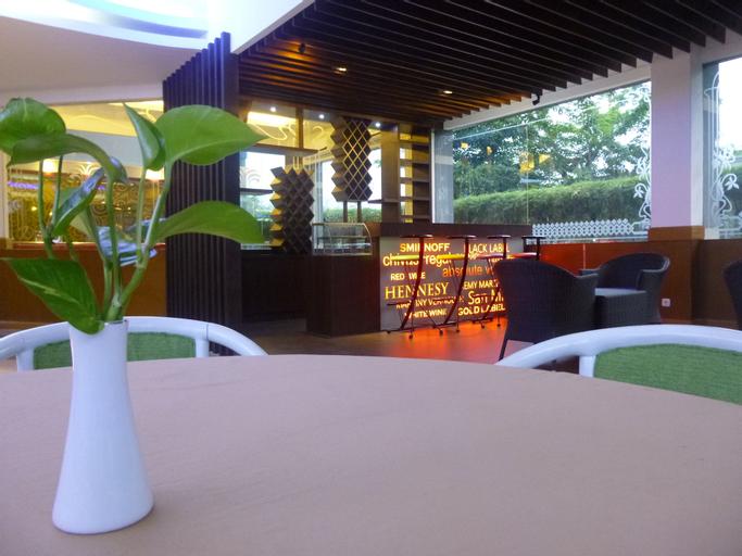 Hotel Bandara Purigarden Semarang, Semarang