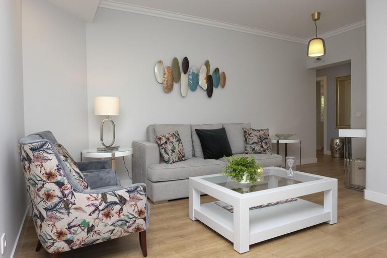 Exquisite apartment in Monte Estoril, Cascais