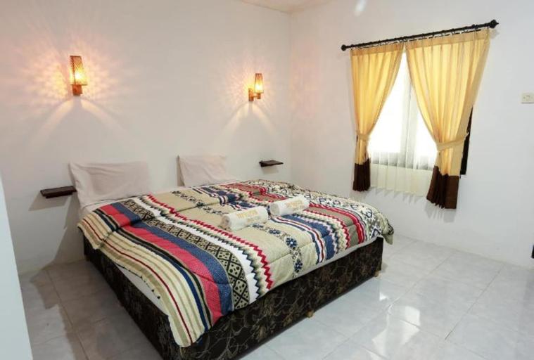The Born Lombok, Lombok