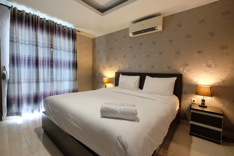 Modern and Gorgeous 1BR The Boulevard Apartment By Travelio, Central Jakarta