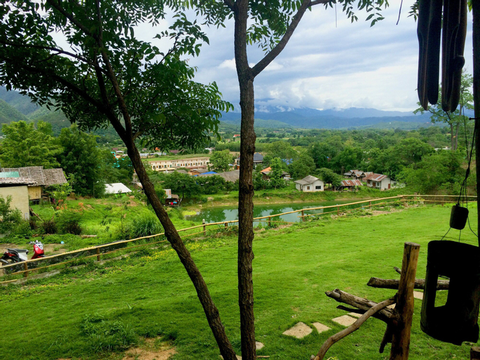 Tony Guesthouse, Pai