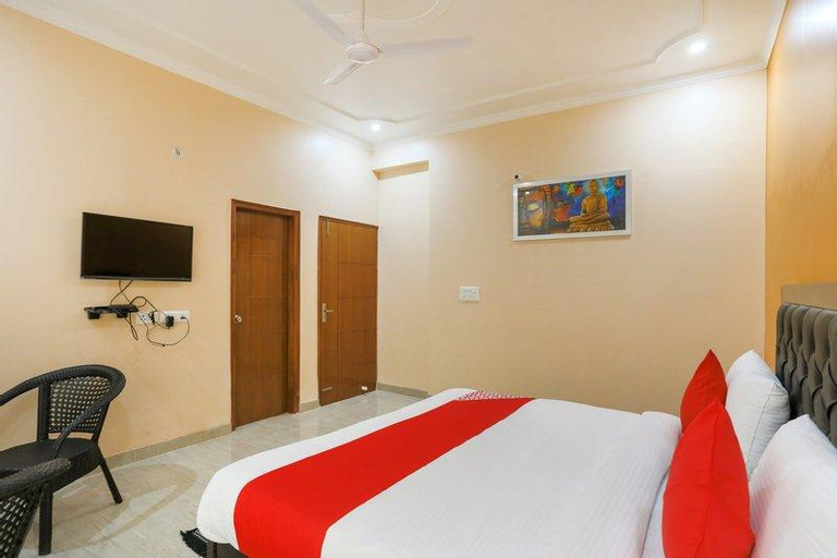 OYO 62671 Elite Homez, Gautam Buddha Nagar