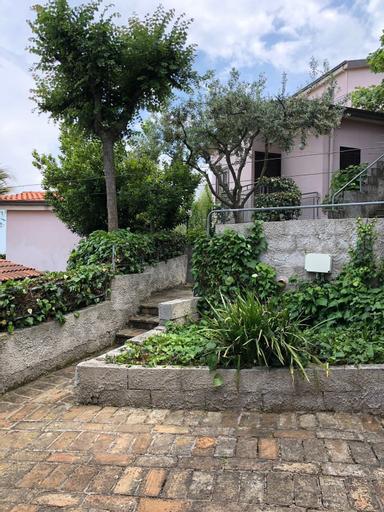 Villaggio Turistico Dea Cupra, Ascoli Piceno