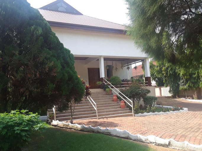 Four Villages Inn, Kumasi