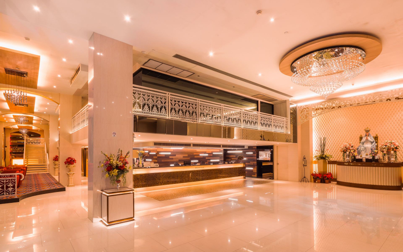 Grand Lord Hotel, Suan Luang
